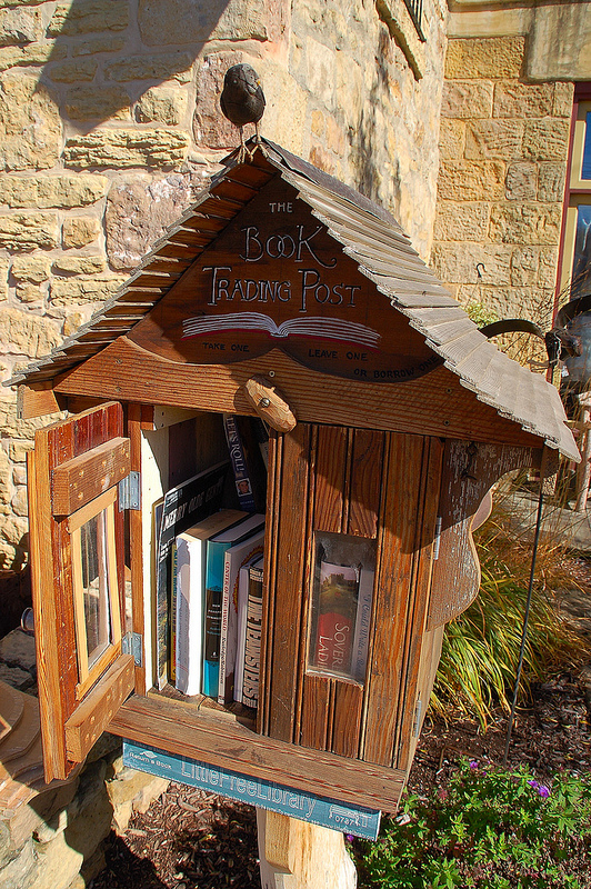 Little Free Library by kewing (cc by)